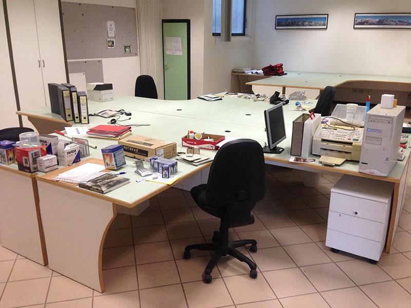 Stock mobili da ufficio centro fallimentare for Stock mobili ufficio